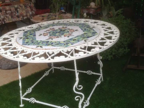 שולחן פסיפס-עליזה