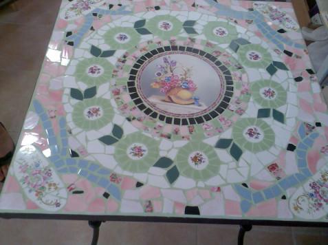 שולחן פסיפס ראשון -דנה